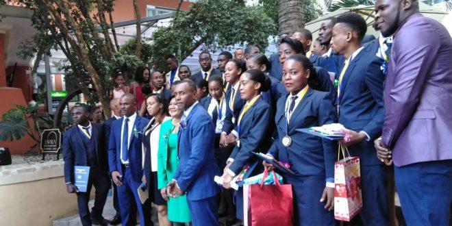 Cérémonie de graduation : L'UNIH invite des promus à marcher dans le sillage de Leslie François Manigat