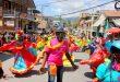 Scoop Naval Info : Originalité du Carnaval de Jacmel : Des personnalités politiques, médiatiques et de la société civile ont été représentées dans le défilé